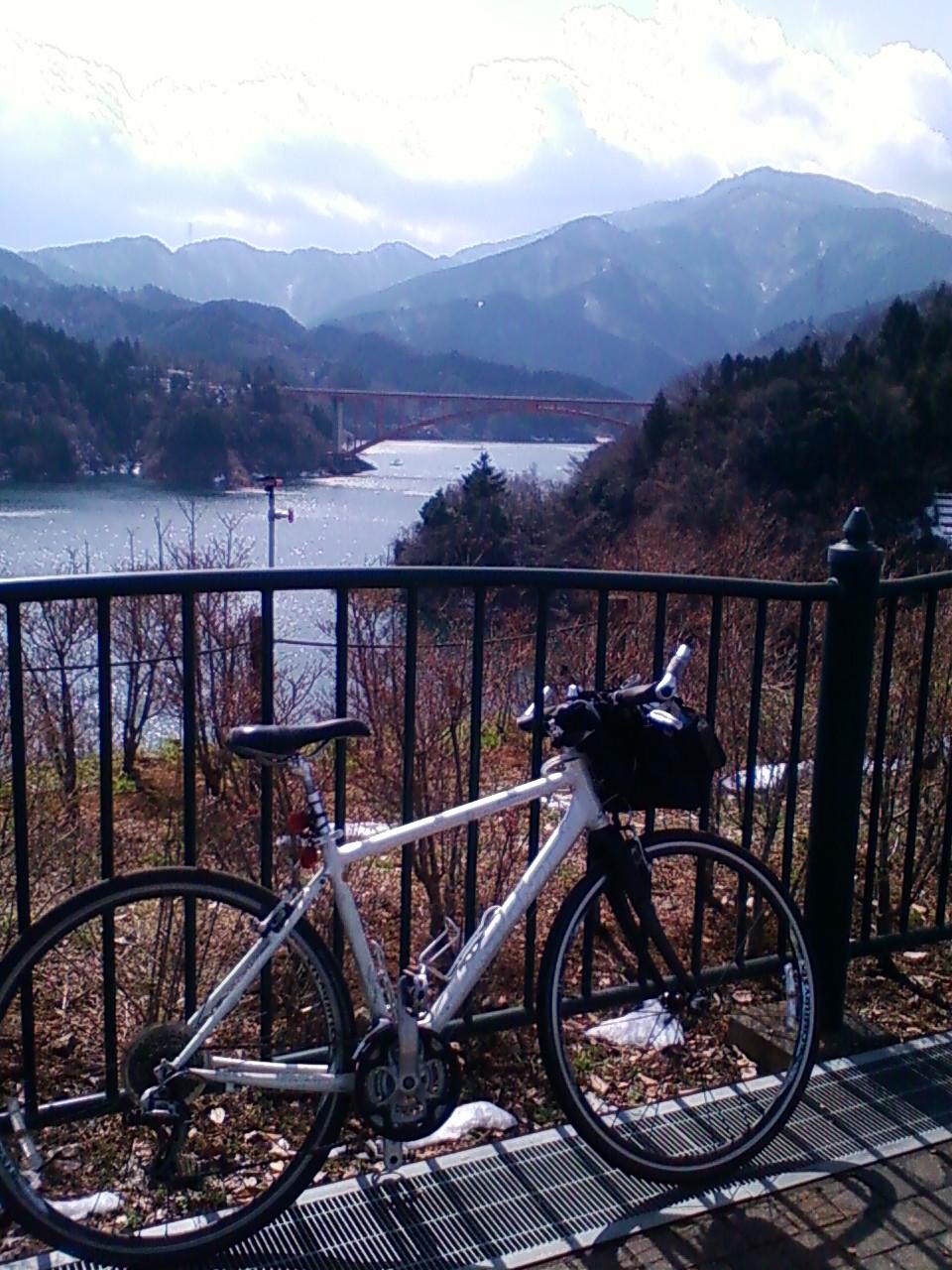 宮ヶ瀬湖に着きました