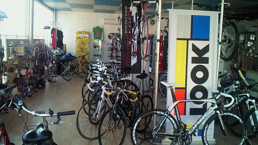 オランジュの自転車屋愛想が良い