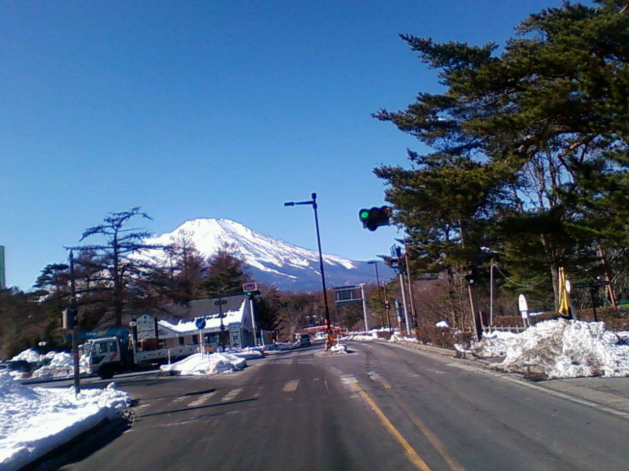 山中湖から富士が!